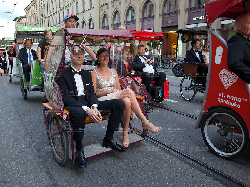 Munich Couple Love Cycle Rickshaw Transport Tourism Wealth