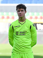 20191022 – OOSTENDE , BELGIUM : Brugge's goalkeeper Senne Lammens pictured during a soccer game between Club Brugge KV and Paris Saint-Germain ( PSG )  on the third matchday of the UEFA Youth League – Champions League season 2019-2020 , thuesday  22 th October 2019 at the Versluys Arena in Oostende  , Belgium  .  PHOTO SPORTPIX.BE | DAVID CATRY