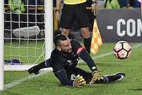 BOGOTA - COLOMBIA -08 -02-2017: Weverton, arquero de Paranaense, ataja unos de los penal durante la serie de definición en el partido entre Millonarios de Colombia y Atletico Paranaense de Brasil, por la segunda fase, llave 1 de la Copa Conmebol Libertadores Bridgestone 2017 jugado en el estadio Nemesio Camacho El Campin, de la ciudad de Bogota. / Weverton, goalkeeper of Paranaense, catch the penal during the definition by penalty series in a match between Millonarios of Colombia and Atletico Paranaense of Brasil, for the second phase, key1, of the Conmebol Copa Libertadores Bridgestone 2017 played at Nemesio Camacho El Campin in Bogota city. Photo: VizzorImage / Gabriel Aponte / Staff.