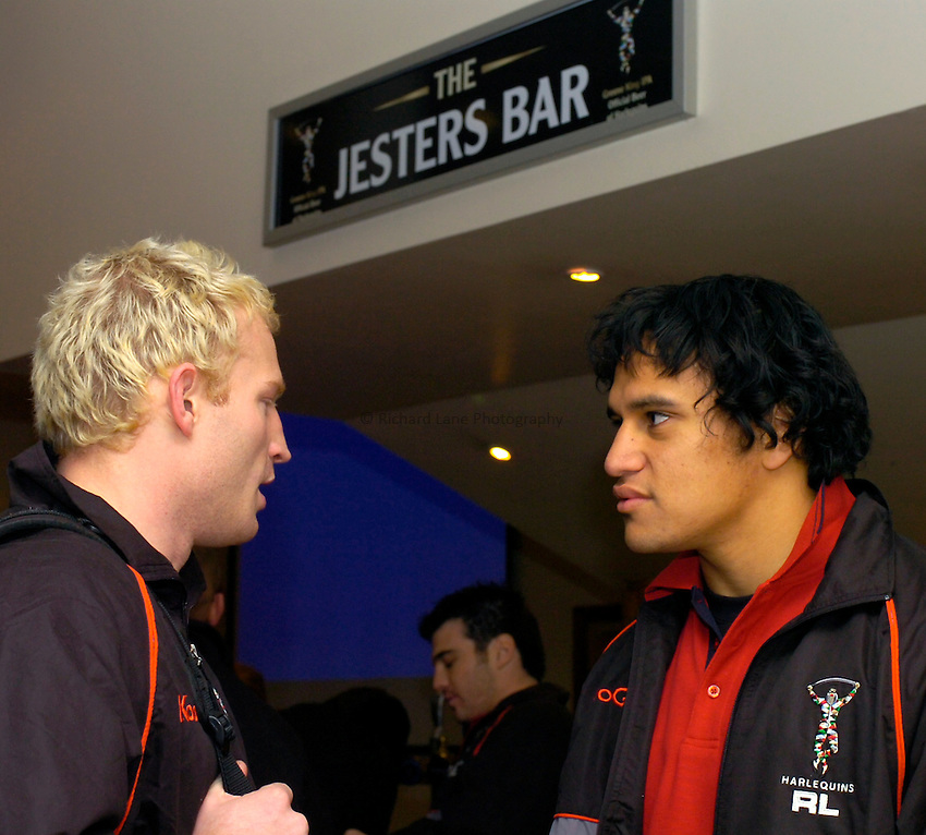 Photo: Richard Lane..Harlequins RL Press Season Media Day. 30/01/2006..Jon Wells and Zebastian Luisi relax in the Jesters Bar.