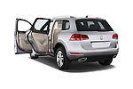 Car images of a 2014 Volkswagen Touareg Hybrid 5 Door SUV 2WD Doors