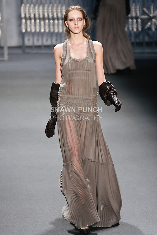 Iris Egbers walks runway in an outfit from the Vera Wang Fall 2011 collection, during Mercedes-Benz Fashion Week Fall 2011.
