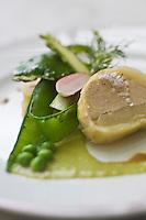 Europe/France/Provence-Alpes-Côte d'Azur/Vaucluse/Cucuron: Pressé de pommes de terre au foie gras, recette d' Eric Sapet  du restaurant: La Petite Maison,