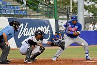 MONTERIA - COLOMBIA, 24-11-2019: Vaqueros de Montería y Caimanes de Barranquilla en el juego 2 de la serie 4 de la Liga Profesional de Béisbol Colombiano temporada 2019-2020 jugado en el estadio estadio Dieciocho de Junio de la ciudad de Montería. Victoria para Vaqueros por marcador de 3-2. / Vaqueros de Monteria and Caimanes de Barranquilla in match 2 series 4 as part Colombian Baseball Professional League season 2019-2020 played at Baseball Stadium on June 18 in Monteria city. Victory to Vaqueros by score of 3-2, Photos: VizzorImage / Andres Felipe Lopez / Cont