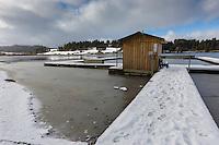Europe/France/Franche-Comté/25/Doubs/Malbuisson: Cabane sur le Lac de Saint-Point, //France, Doubs, Malbuisson,  Cabin on Lake Saint-Point,