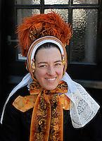 Schagen. Jaarlijkse  Westfriese Folkloredagen. Tijdens de Klederdrachtdag komen verschilende klederdrachtgroepen uit  Nederland naar Schagen