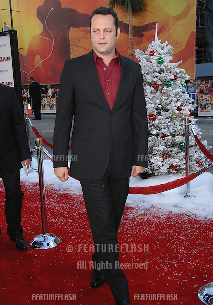 "Vince Vaughn at the Los Angeles premiere of his new movie ""Fred Claus"" at Grauman's Chinese Theatre, Hollywood, CA..November 3, 2007  Los Angeles, CA.Picture: Paul Smith / Featureflash"