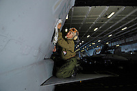 060119-N-7981E-034<br />