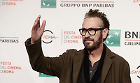 L'attore italiano Marco Giallini posa durante un photocall per la presentazione del film &quot;The place&quot; alla Festa del Cinema di Roma, 4 novembre 2017.<br /> Italian actor Marco Giallini poses for a photocall to present the movie &quot;The place&quot; during the international Rome Film Festival at Rome's Auditorium, .<br /> UPDATE IMAGES PRESS/Isabella Bonotto