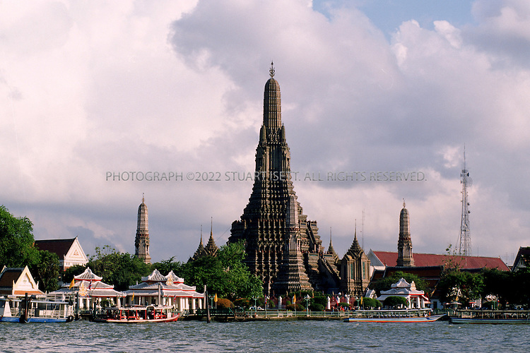 May, 2000--Bangkok, Thailand..Wat Arun, the Temple of Dawn, on Bangkok's Chaophrya River...All photographs ©2003 Stuart Isett.All rights reserved.This image may not be reproduced without expressed written permission from Stuart Isett.
