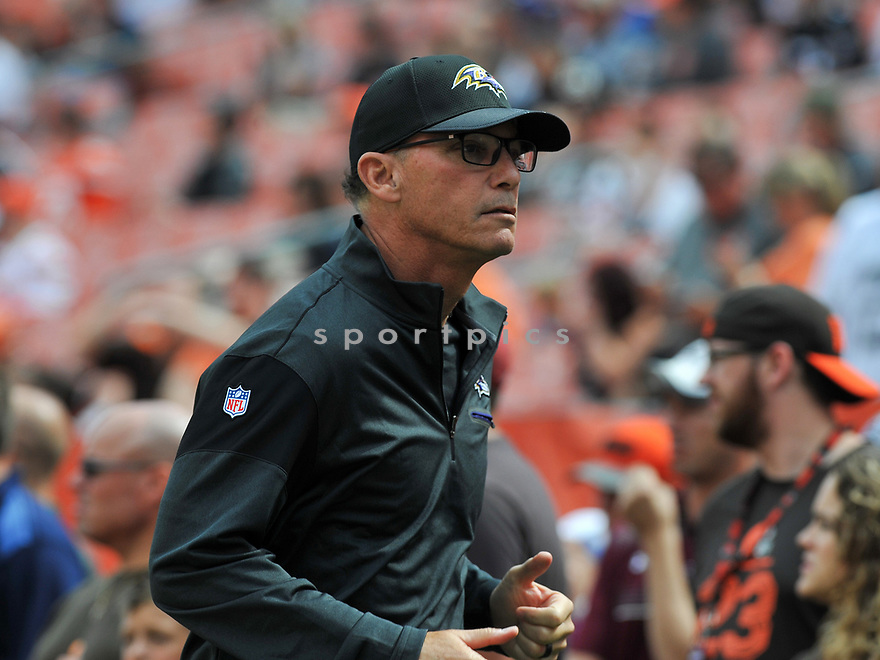 CLEVELAND, OH - JULY 18, 2016: Offensive coordinator Marc Trestman of the Baltimore Ravens runs off the field prior to a game against the Cleveland Browns on July 18, 2016 at FirstEnergy Stadium in Cleveland, Ohio. Baltimore won 25-20. (Photo by: 2017 Nick Cammett/Diamond Images)  *** Local Caption *** Marc Trestman(SPORTPICS)