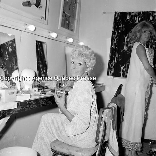 La comedienne Janine Sutto<br /> <br /> (date inconnue, avant 1984),<br /> <br /> Photo : Agence Quebec Presse - Roland Lachance