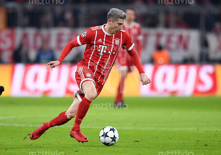FUSSBALL CHAMPIONS LEAGUE SAISON 2017/2018 GRUPPENPHASE FC Bayern Muenchen - Paris Saint-Germain               05.12.2017 Robert Lewandowski (FC Bayern Muenchen)