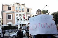 Roma, 15 Gennaio 2011.Via Asmara.La comunità tunisina manifesta contro la repressione  e festeggia per la fine dell'era Bel Ali