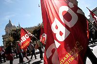 Bandiere Cobas<br /> Roma 18-10-2013 Manifestazione dei sindacati di base USB e COBAS in occasione dello sciopero nazionale dei lavoratori.<br /> Strike and demonstration of the Left Trade Unions<br /> Photo Samantha Zucchi Insidefoto