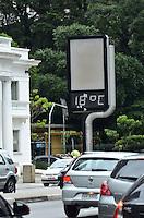SÃO PAULO, SP, 20 DE JANEIRO DE 2012 - CLIMA TEMPO - Temperatura cai na tarde desta quinta-feira na capital, região da Avenida Paulista. FOTO: ALEXANDRE MOREIRA - NEWS FREE.