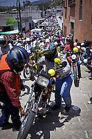 302 a&ntilde;os de la Virgen de Soriano.<br /> <br /> <br /> COL&Oacute;N, QUER&Eacute;TARO. 11 de marzo de 2016.- Este a&ntilde;o se cumplen 320 a&ntilde;os de la llegada de la  Virgen de los Dolores a la comunidad de Soriano. Recientemente elevada a bas&iacute;lica menor, su recinto recibe a miles de visitantes entre peregrinos de a pi&eacute;, a caballo,  motocicleta y bicicleta que parten de los municipios cercanos como El Marqu&eacute;s que organiza una peregrinaci&oacute;n nocturna de caminata de 12 horas, as&iacute; como de Cadereyta, Quer&eacute;taro, Amealco, Tolim&aacute;n, Pedro Escobedo, Corregidora, Huimilpan, San Juan del Rio, entre otros. <br /> <br /> Este a&ntilde;o tambi&eacute;n se celebra el 52 aniversario de su Coronaci&oacute;n Pontificia, <br /> <br /> Como cada a&ntilde;o la festividad se llevar&aacute;n acabo en la tradicional antigua misi&oacute;n chichimeca de Santo Domingo de Soriano construida a fines del siglo XVII por la Orden de los Predicadores&nbsp; (padres Dominicos). Esta Misi&oacute;n fungi&oacute; como santuario de la Virgen de los Dolores desde 1705. Desde 2008, se le considera Bas&iacute;lica Menor de Nuestra Se&ntilde;ora de los Dolores en la Di&oacute;cesis de Quer&eacute;taro. En este convento en el lado derecho de la infraestructura se encuentra el museo de los Milagros donde se exhibe la colecci&oacute;n de exvotos de la colecci&oacute;n &ldquo;Religiosidad y arte popular en los exvotos de Quer&eacute;taro&rdquo; adem&aacute;s de los antiguos ornamentos y libros lit&uacute;rgicos tienen su lugar en vitrinas.Un exvoto, com&uacute;nmente conocido como retablo, es una pintura sobre metal que narra el favor&nbsp; o el milagro recibido. Sus dimensiones var&iacute;an pero suelen ser entre 25 cent&iacute;metros de alto por 35 de ancho. Para este a&ntilde;o, el municipio de Col&oacute;n, Protecci&oacute;n Civil y la Diocesis de Quer&eacute;taro, han elaborado un operativo para mantener seguros a los peregrinos, dicho operativo co