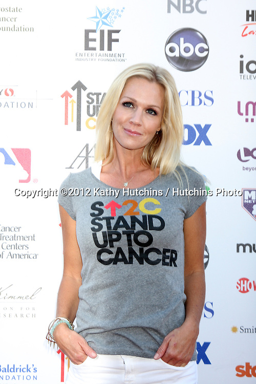 LOS ANGELES - SEP 7:  Jennie Garth arrives at the 2012 Stand Up To Cancer Benefit at Shrine on September 7, 2012 in Los Angeles, CA