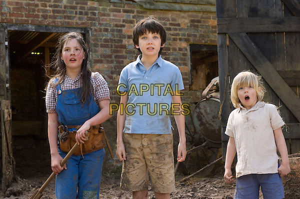LIL WOODS, ASA BUTTERFIELD & OSCAR STEER.in Nanny McPhee and the Big Bang (Nanny McPhee Returns).*Filmstill - Editorial Use Only*.CAP/FB.Supplied by Capital Pictures.