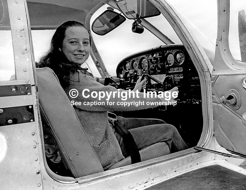 Pamela Rowan, schoolgirl, N Ireland, Private Pilot&rsquo;s Licence, pictured at the Ulster Flying Club&rsquo;s airfield at Newtownards, Co Down. December 1971. 197112000549<br />