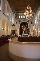 Europe/France/Aquitaine/64/Pyrénées-Atlantiques/Pays-Basque/Bayonne: La Synagogue de Bayonne construite en 1836-1837, dans le quartier Saint-Esprit -  Intérieur de la synagogue avec l'Arche Sainte