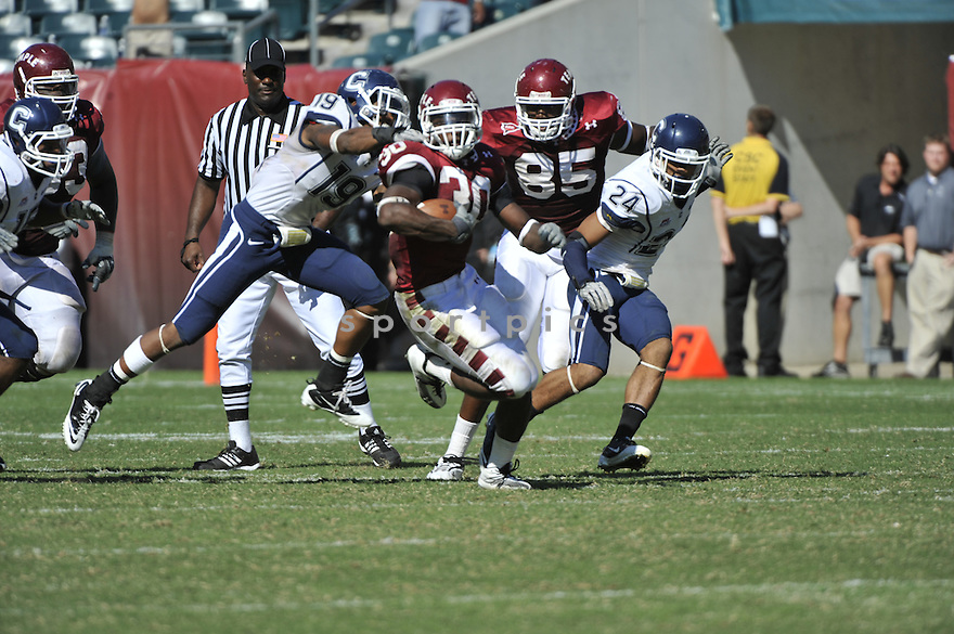 Sept 18, 2010; Temple University RB Bernard Pierce (30) during  game against University of Connecticut.Temple won 30-16 at  Lincoln Financial Field Philadelphia, PA. Mandatory Credit: Tomasso DeRosa