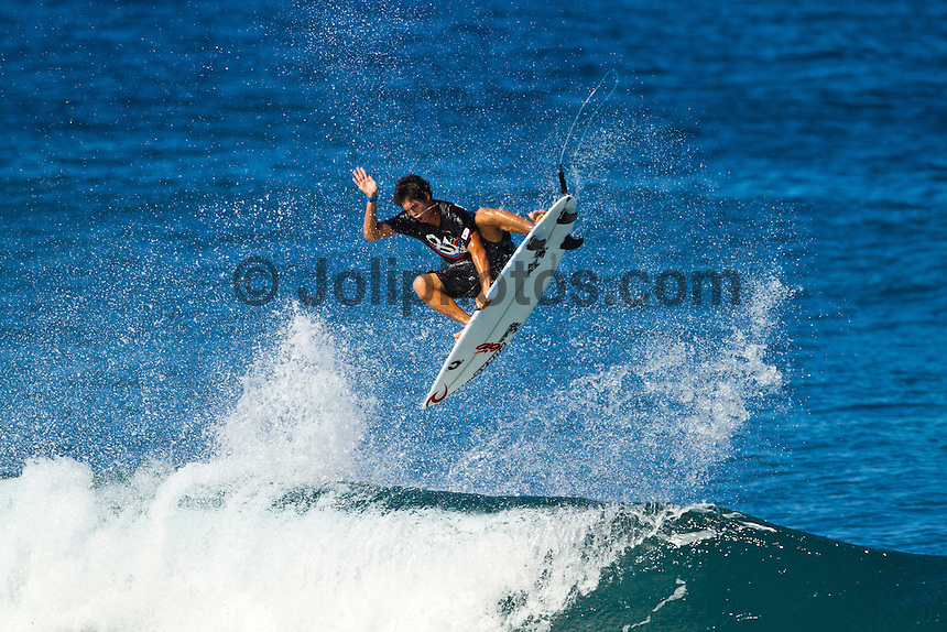 Haleiwa Hawaii,(Monday November 21, 2010) Gabriel Medina (BRA).  .Three to four foot west nor west swell with light variable winds were the conditions for today's sessions at Off The Wall and Backdoor..Photo: joliphotos.com