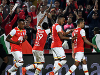 BOGOTA - COLOMBIA - 30 - 11 - 2017: Los jugadores de Independiente Santa Fe celebran el gol a Jaguares F. C., durante partido de vuelta de los cuartos de final entre Independiente Santa Fe y Jaguares F. C., de la Liga Aguila II 2017, en el estadio Nemesio Camacho El Campin de la ciudad de Bogota. / The players of Independiente Santa Fe, celebrate a scored goal to Jaguares F. C., during a match between Independiente Santa Fe y Jaguares F. C., of the quarter of finals for the Liga Aguila II 2017 at the Nemesio Camacho El Campin Stadium in Bogota city, Photo: VizzorImage / Luis Ramirez / Staff.