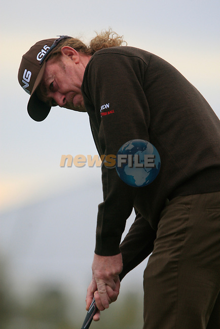 Miguel Angel Jimenez (SPA) in action on the 1st green during the Quarter Final Matches on Day 4 of the Accenture Match Play Championship from The Ritz-Carlton Golf Club, Dove Mountain, Saturday 26th February 2011. (Photo Eoin Clarke/golffile.ie)