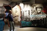 Foto: VidiPhoto<br /> <br /> NIJMEGEN – Het nieuwe Informatiecentrum WOII in Nijmegen, vlak bij de Waalbrug die in september 1944 ongeschadigd in handen viel van de geallieerden tijdens Operatie Market Garden. Het infocentrum behandelt in kort bestek vier aspecten uit de oorlog: het bekende vergissingsbombardement, waarbij 800 burgers om het leven kwamen, Operatie Market Garden, Nijmegen als frontlinie en het Rijnlandoffensief. Het informatiecentrum wordt geëxploiteerd door het Vrijheidsmuseum in Groesbeek. De toegang is gratis.