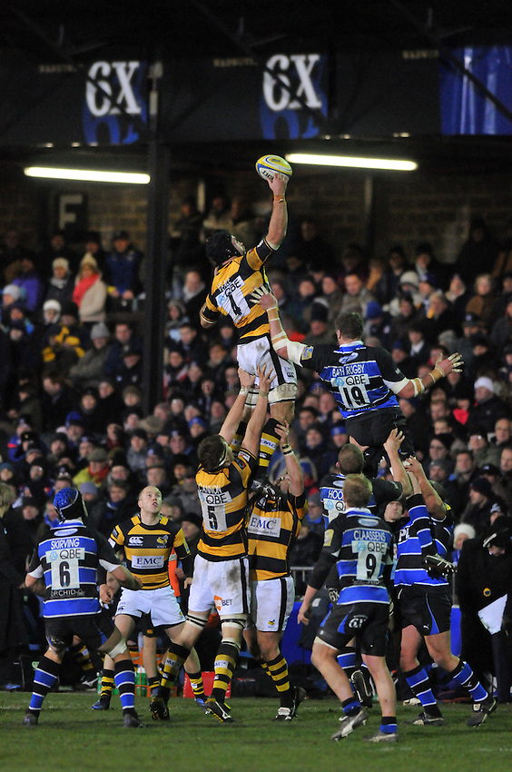 Photo: Tony Oudot/Richard Lane Photography. Bath Rugby v London Wasps. Aviva Premiership. 27/11/2010. .Marty Veale wins the lineout for Wasps.