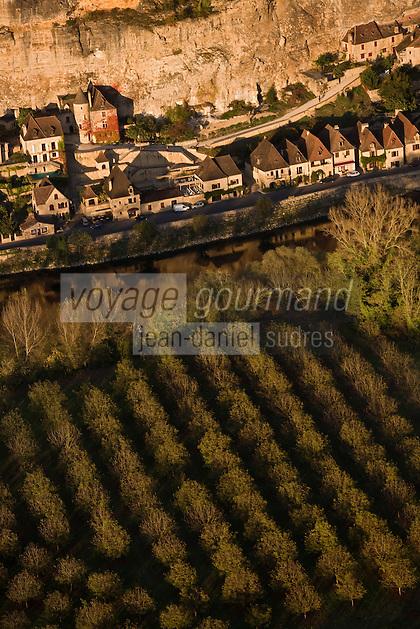 Europe/France/Aquitaine/24/Dordogne/Vallée de la Dordogne/Périgord Noir/La Roque-Gageac: la vallée de la dordogne et les maisons du  village - Vue aérienne