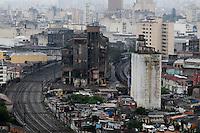 SAO PAULO, SP, 01 Janeiro 2012.O Edifício Moinho, na região central de São Paulo, que foi danificado durante um incêndio na Favela Moinho  (FOTO: ADRIANO LIMA - NEWS FREE)