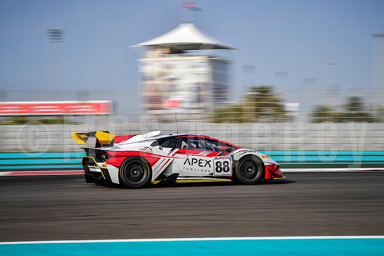 #88 DRAGON RACING (UAE) LAMBORGHINI HURACAN SUPER TROFEO JIM GEDDIE (UAE) GLYNN GEDDIE (UAE)KARIM AL AZHARI (UAE) GT CUP 1