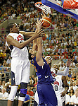 Spain's Felipe Reyes (c) and USA's Kevin Durant (l) and Carmelo Anthony during friendly match.July 24,2012. (ALTERPHOTOS/Acero)