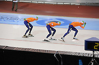 SCHAATSEN: SALT LAKE CITY: Utah Olympic Oval, 16-11-2013, Essent ISU World Cup, Team Pursuit, Jan Blokhuijsen, Koen Verweij, Sven Kramer (NED), ©foto Martin de Jong
