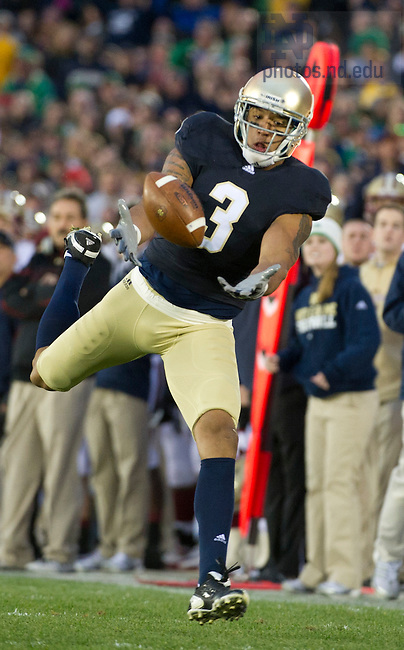November 19, 2011; Notre Dame Fighting Irish wide receiver Michael Floyd cannot make a catch during the second quarter against the Boston College Eagles. Photo by Barbara Johnston/University of Notre Dame.