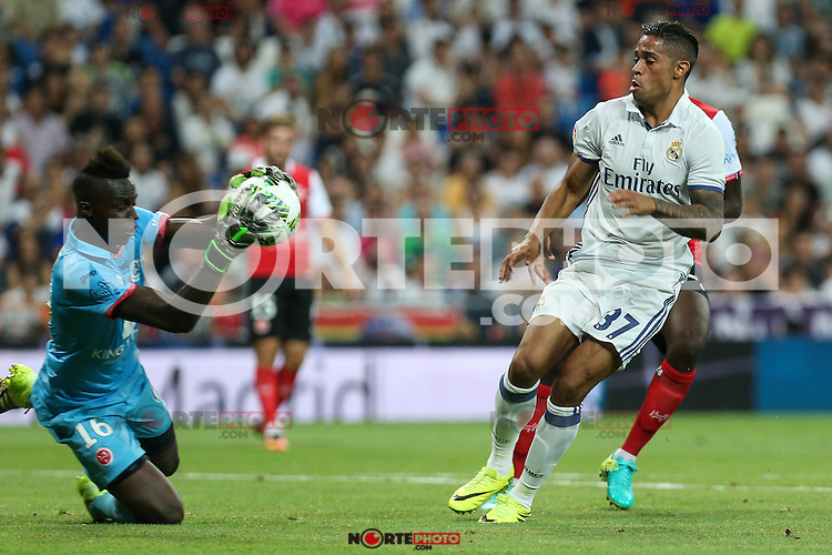 Stade de Reims's Mendy and Real Madrid's Mariano during the XXXVII Bernabeu trophy between Real Madrid and Stade de Reims at the Santiago Bernabeu Stadium. August 15, 2016. (ALTERPHOTOS/Rodrigo Jimenez) /NORTEPHOTO