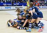ROTTERDAM  - NK Zaalhockey . finale dames hoofdklasse: hdm-Laren 2-1. hdm landskampioen. Vreugde bij hdm na het eindsignaal. blijdschap.      COPYRIGHT KOEN SUYK