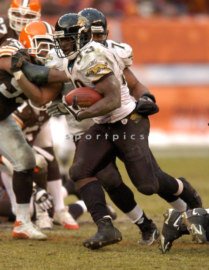 Greg Jones, of the Jacksonville Jaguars, during thier game against the Cleveland Browns  on December 4, 2005...Jaguars win 20-14..Chris Bernacchi/ SportPics.