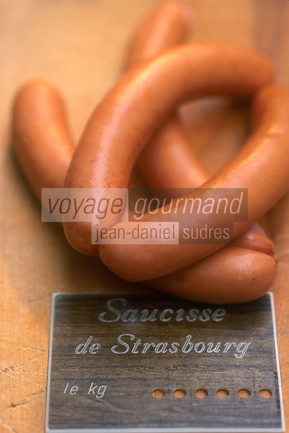 Europe/France/Alsace/67/Bas-Rhin/Strasbourg: La saucisse de Strasbourg ingrédient de la choucroute alsacienne