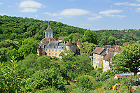 France, Indre(36), le Berry, vallée de la Creuse, Gargilesse-Dampierre, labellisé Les Plus Beaux Villages de France, le village, le château et le clocher de l'église romane Notre-Dame du XIIe siècle // France, Indre, Berry region, Creuse Valley, Gargilesse Dampierre, labelled Les Plus Beaux Villages de France (The Most Beautiful Villages of France), the village, the castle and the bell tower of the Romanesque church Notre Dame of 12th century