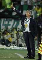 MEDELLÍN -COLOMBIA - 18-06-2017: Reinaldo Rueda técnico de Atlético Nacional gesticula durante partido de vuelta con Deportivo Cali  por la final de la Liga Águila I 2017 jugado en el estadio Atanasio Girardot de la ciudad de Medellín./ Reinaldo Rueda coach of Atletico Nacional gestures second leg match against Deportivo Cali  for the final of the Aguila League I 2017 at Atanasio Girardot stadium in Medellin city. Photo: VizzorImage / Gabriel Aponte / Staff