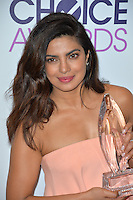Priyanka Chopra at the 2017 People's Choice Awards at The Microsoft Theatre, L.A. Live, Los Angeles, USA 18th January  2017<br /> Picture: Paul Smith/Featureflash/SilverHub 0208 004 5359 sales@silverhubmedia.com