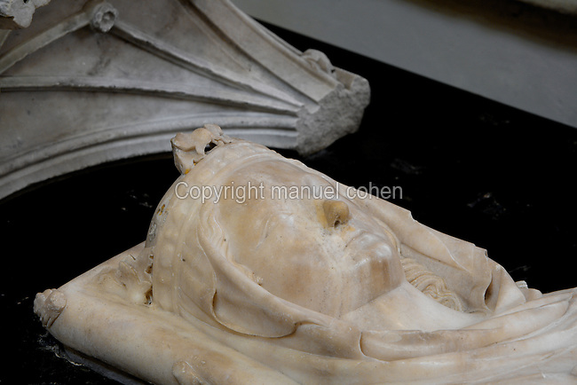 Gisant of Isabelle of Aragon (1247 - 1271), wife of Philip III, marble, end of the 13th century, Abbey church of Saint Denis, Seine Saint Denis, France. Picture by Manuel Cohen