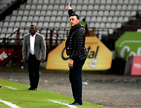 MANIZALES - COLOMBIA, 27-07-2018: Carlos Mario Hoyos, técnico de Atlético Bucaramanga, durante partido entre Once Caldas y Atlético Bucaramanga, de la fecha 2 por la Liga Aguila II 2018  en el estadio Palogrande en la ciudad de Manizales. / Carlos Mario Hoyos, coach of Atletico Bucaramanga, during a match between Once Caldas and Atletico Bucaramanga, of the 2nd date for the Liga de Aguila II 2018 at the Palogrande stadium in Manizales city. Photo: VizzorImage  / Santiago Osorio / Cont.