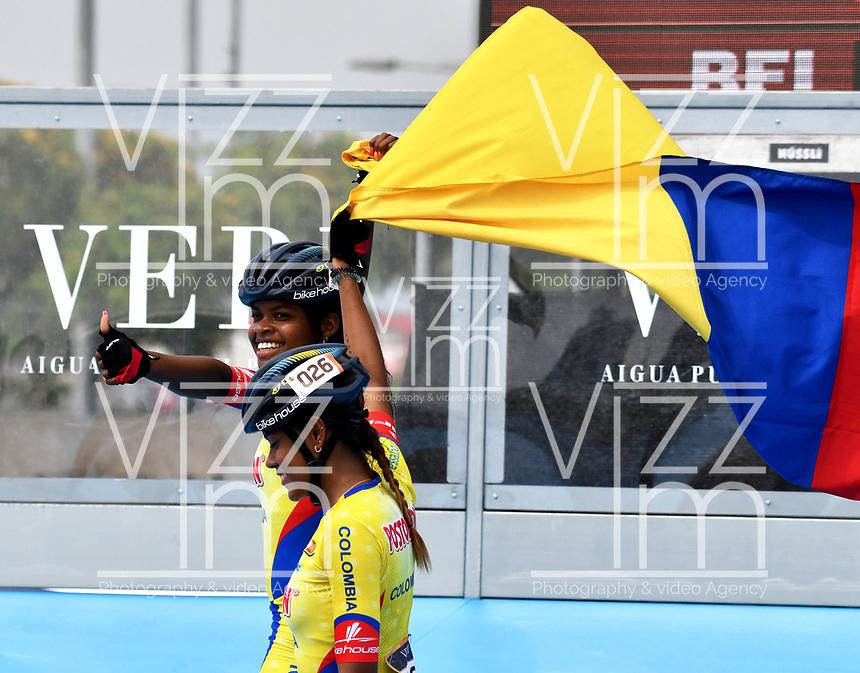 BARCELONA - ESPAÑA,  07-07-2019: Geiny Pájaro, patinadora de Colombia, celebra la victoria con la bandera d su pais, durante la prueba de 200 Metros Meta Contra Meta, Mayores Damas, en el patinodromo Front Maritim en la ciudad de Barcelona en España, en el marco de los World Roller Games, Barcelona 2019. / Geiny Pajaro, skater from Colombia, celebrates the victory with the flag of his country, during the 200 Dual TT, Senior Ladies in the Front Maritim skate in the city of Barcelona in Spain, within the World Rollers Games Barcelona 2019. / Photo: VizzorImage / Luis Ramírez / Staff.