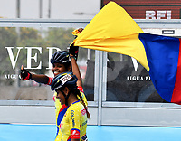 BARCELONA - ESPAÑA,  07-07-2019: Geiny Pájaro, patinadora de Colombia, celebra la victoria con la bandera d su pais, durante la prueba de 200 Metros Meta Contra Meta, Mayores Damas, en el patinodromo Front Maritim en la ciudad de Barcelona en España, en el marco de los World Roller Games, Barcelona 2019. / Geiny Pajaro, skater from Colombia, celebrates the victory with the flag of his country, during the 200 Dual TT, Senior Ladies in the Front Maritim skate in the city of Barcelona in Spain, within the World Rollers Games Barcelona 2019. / Photo: VizzorImage / Luis Ramírez / Staff.