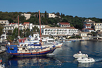 Greece, Corfu, Kassiopi: View over harbour