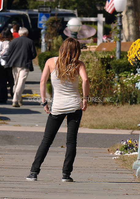 Hilary  Duff  films   GRETA  in  New  Jersey  on  October  15, 2007